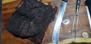 בשר מעושן וסכין שף
